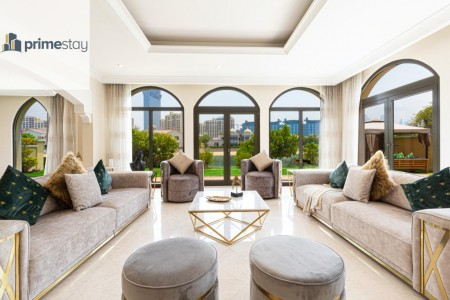 Stunning 6BR Villa with Private Pool in Palm